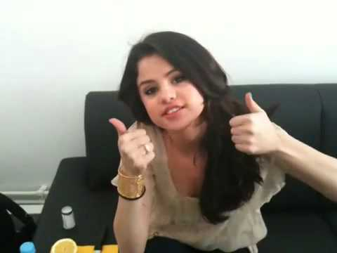 selena gomez no makeup photo shoot. Selena Gomez - Neuigkeiten
