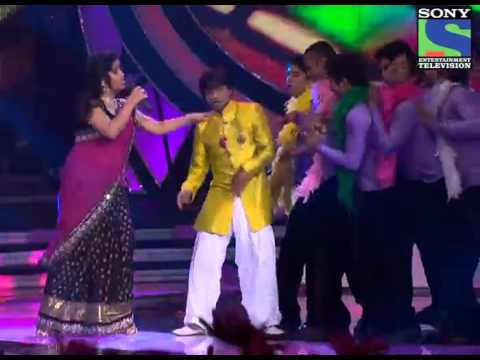 Indian idol 6 Sunidhi and Amit Kumar performing  Maa da ladla...