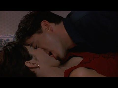 Marisa Tomei Tongue Kissing (Only You) thumbnail