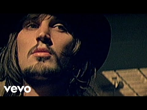 Kasabian - L.S.F.