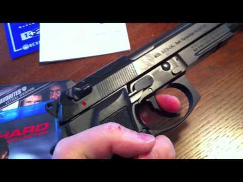 Beretta M9A1 Unboxing