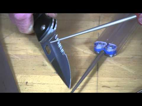 Video of Sharpening Serrated Edges with DMT® Diafold® Serrated Sharpeners