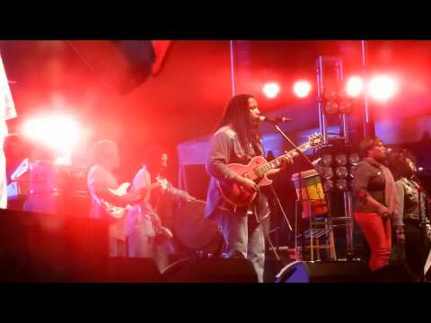 Stephen Marley Feat. Melanie Fiona Live no Cigarette Smoking (in My Room) - Part 7 video
