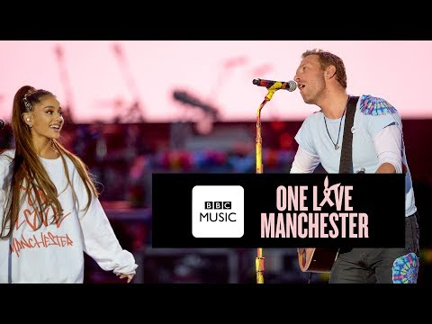 Chris Martin and Ariana Grande   Don  39 t Look Back In Anger  One Love Manchester