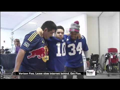 NY Giant Shane Vereen Visits Patients at PSE&G Children's Specialized Hospital