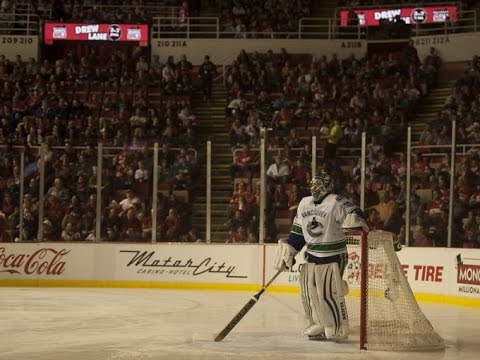 Power outage at Joe Louis Arena stalls Wings-Canucks...