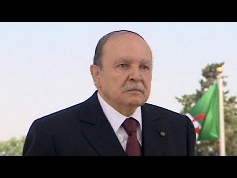 Bouteflika rientra in Algeria dopo lunga degenza a Parigi