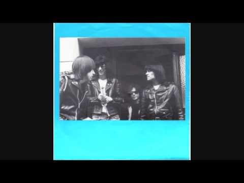 Ramones - Radio City Music Hall (New York City 2-10-75) DEMOS