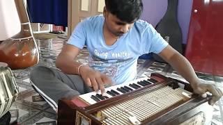 आपने इन्हें सुना होगा आज Live देख लीजिये A Perfect Harmonium Player Pushkar Sir