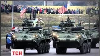 Естонія влаштувала військовий парад за участю техніки НАТО в 300 метрах від кордону з Росією - (видео)