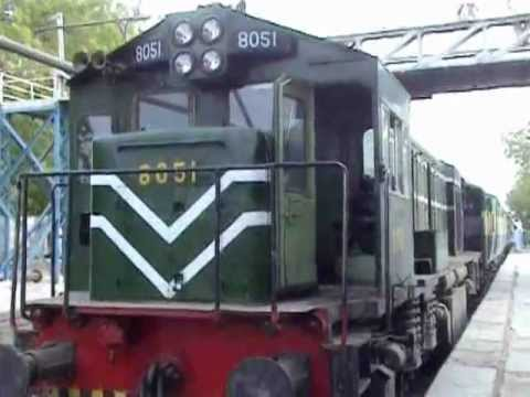 Padidan Sukkur Express Engen Fail 6 Hors Late.mpg video
