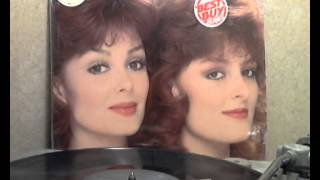 The Judds - Mama He's Crazy [original Lp version]