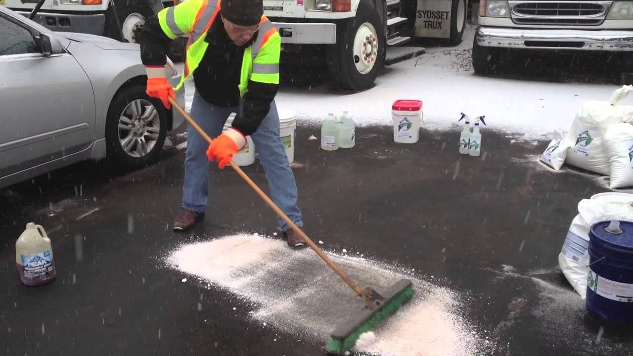 Clean and remove oil from asphalt cement soil oil for Remove oil from concrete floor