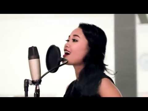 Master Piece ft. Maharani - Salam Kangen (Official Video)
