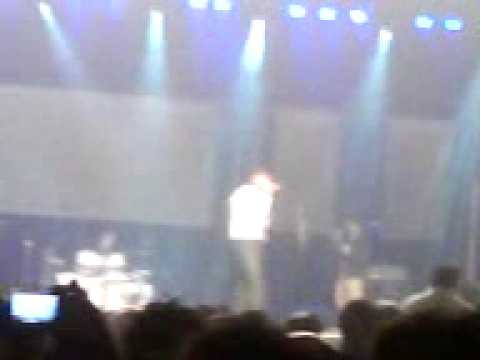 Atif Aslam Singing Akhiyan nu Rehn de  international center...