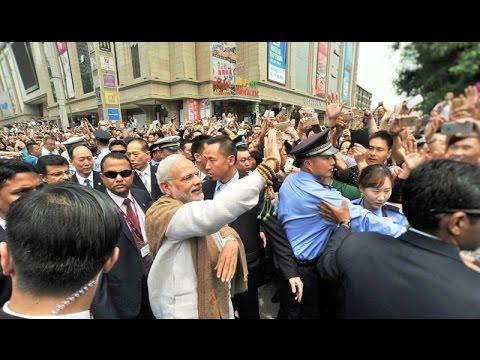 PM Modi interacting with the people in Xi'an, China