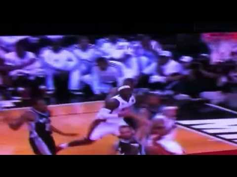 Lebron James loses headband!