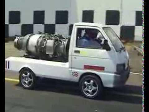 ジェットエンジン搭載したダイハツ・ハイゼット