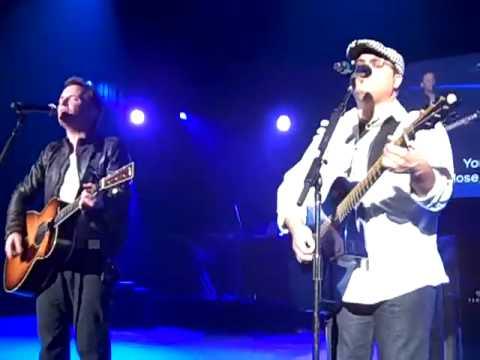 Chris Tomlin - All the Way My Savior Leads Me