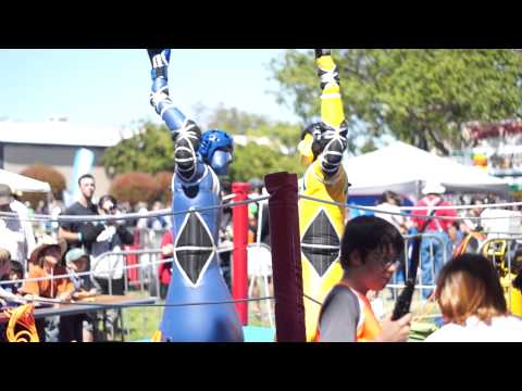 Pump-activated robots fighting at Maker Faire 2013