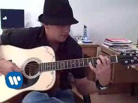 Yahir - Tocando Guitarra