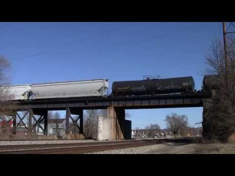 Norfolk Southern Mixed Freight with Union Pacific and Canadian National Engines Kenova, WV [HD]