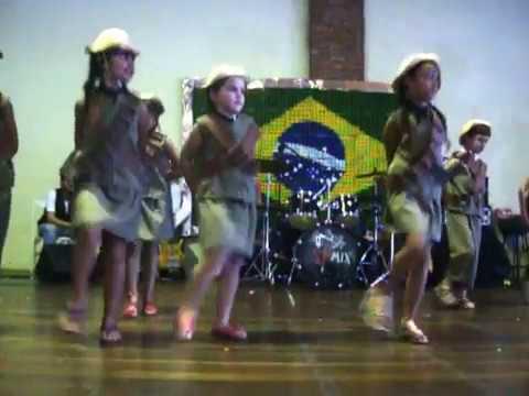 Dominguinhos E  Luiz Gonzaga - Eu SÓ Quero Um XodÓ - ColÉgio Adonai - Feira Cultural - 2012 video