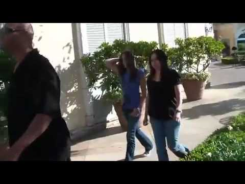 Paris Jackson shopping and at the movies 8/1/2011.