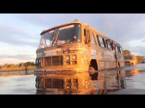 Onibus 4x4 Travessia de Rio no Pantanal - crédito: Jornal Mais Off Road