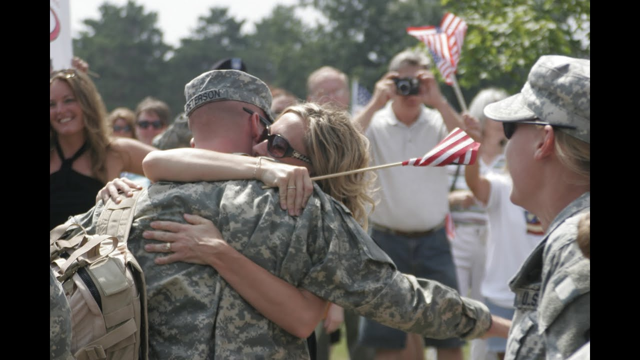 Heartwarming pictures of soldiers