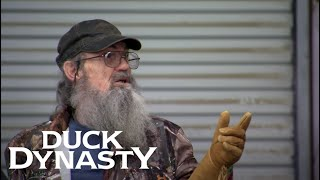 Duck Dynasty: Si's Auction Etiquette (Season 7, Episode 10) | A&E