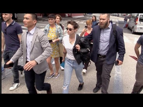 EXCLUSIVE : Jury member Kristen Stewart arriving in Cannes