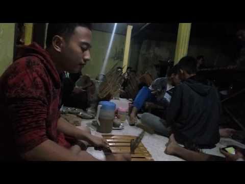 Rundo musik lokal 'ISTIMEWA'