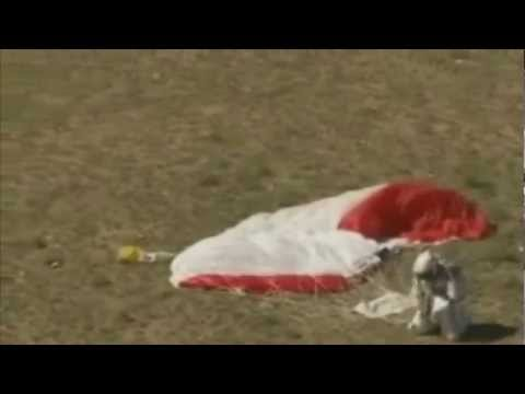 Felix Baumgartner WORLD RECORD Stratosphere Skydive [HD]
