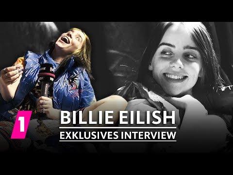 Download Billie Eilish im Interview beim Lollapalooza 2019   1LIVE Exklusiv Mp4 baru
