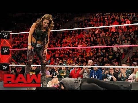 Mickie James delivers a painful message to Alexa Bliss: Raw, Oct. 23, 2017