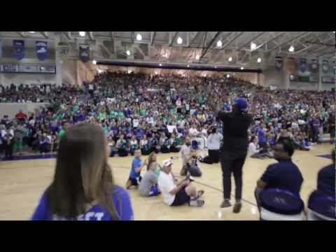 FGCU Dunk City 2 Eagles Throwin Alleys