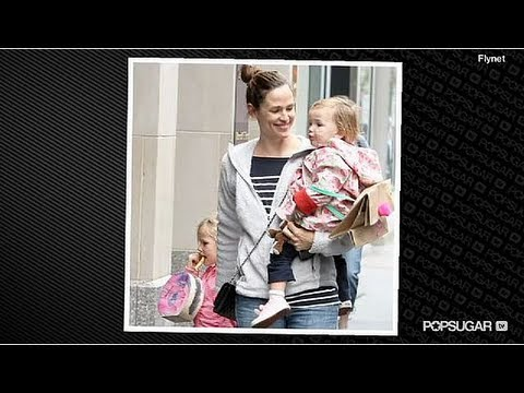 A pregnant Jennifer Garner reveals that her daughters don't watch her movies ...