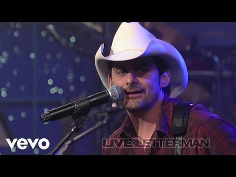Brad Paisley - I'm Gonna Miss Her (Live on Letterman)