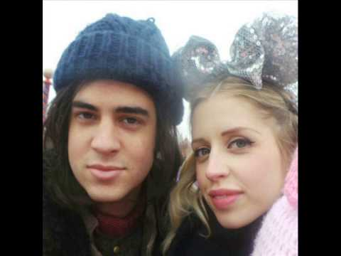 Peaches Honeyblossom Geldof Cohen