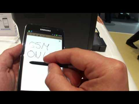 Samsung GALAXY Note hands on (versus iPhone 4)