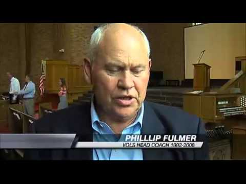 Phil Fulmer Visits Chattanooga's Baylor School