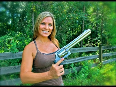 ONE GIRL SHOOTING the S&W 500 MAGNUM for the FIRST TIME!! Girls shooting the MAGNUM!