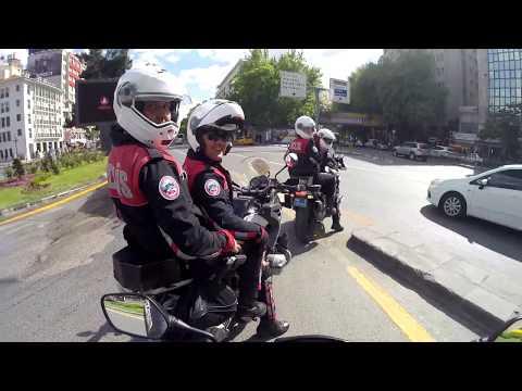 S1000 RR 'ı Çeviren Polisle Karşılaşmak | Yunus Polisler ile Kızılay Trafiği | Triumph Daytona 675 R