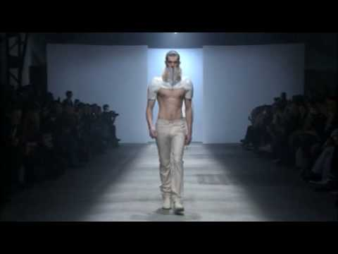 ROMAIN KREMER FASHION SHOW FALL/WINTER 2010 - 2011