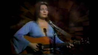 Watch Judy Collins Golden Apples Of The Sun video