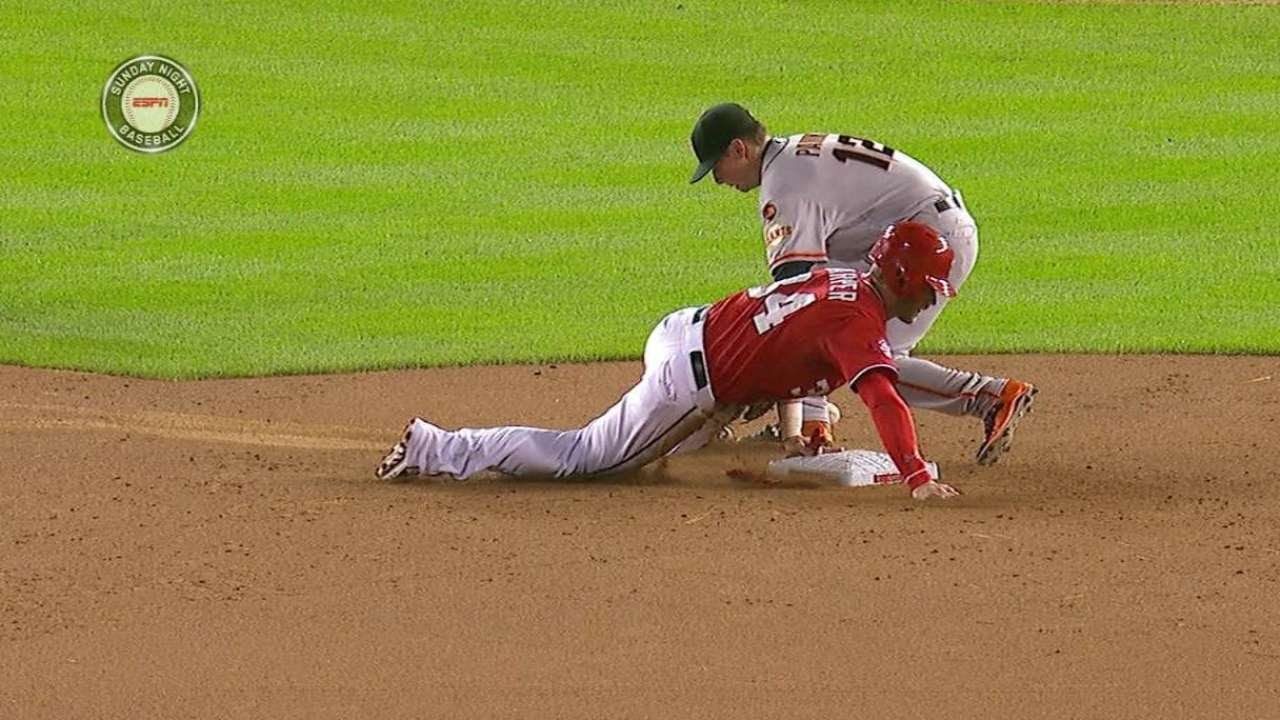 SF@WSH: Harper steals second base in the 3rd inning