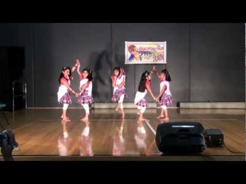 Ninne Kanan Ennakalum Dance Performed By Hanna With Her Friends In Melbourne. video