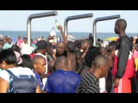 South Africa - Durban - Beaches - Black Flag - Tourist Mecca.wmv