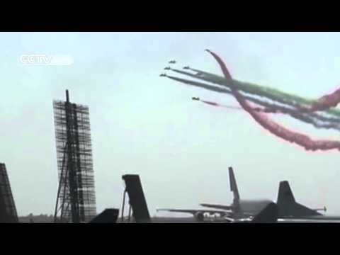 "Aerobatics: ""Drawing a Chinese dragon in the sky"" amazes Zhuhai Airshow!"